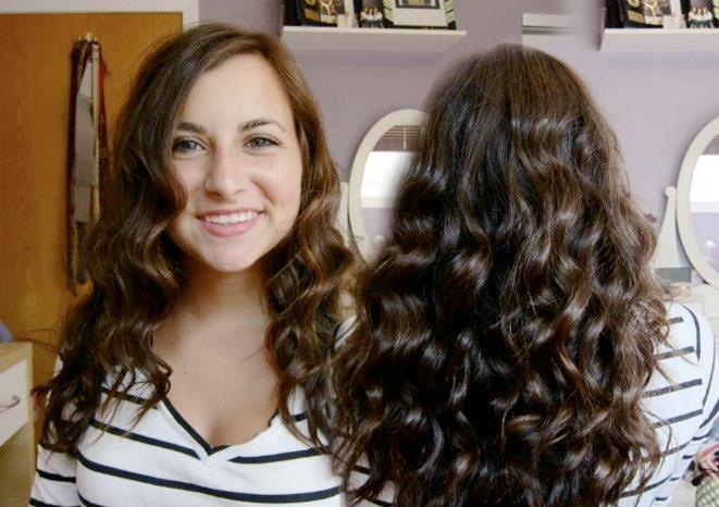 Alex looks beautiful with her pearl curls!