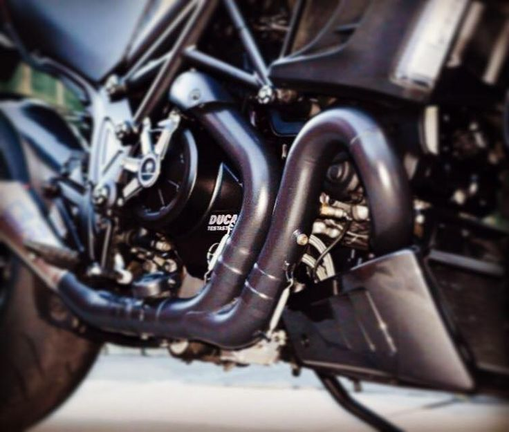 Now that the weather is changing, it's the best time of the year to get your exhaust system ceramic coated. Contact us to book your coating: www.performance1coatings.com #performance1coatings #ceramiccoating #exhaustsystem #volcanicblack #ducati #ducatidiavel