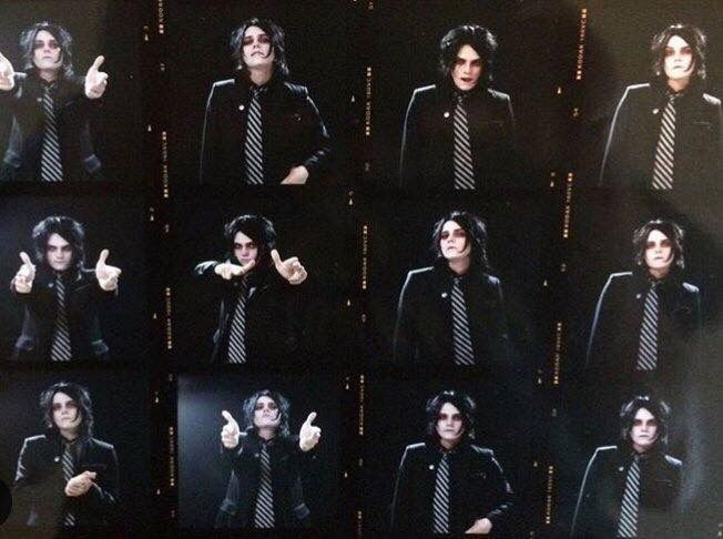 Oh my god... I love this so much! Gerard is so Adorable!!!