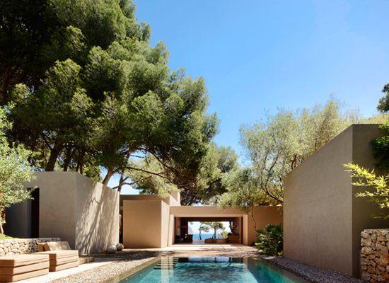 Mallorca home by Esteva i Esteva Architects