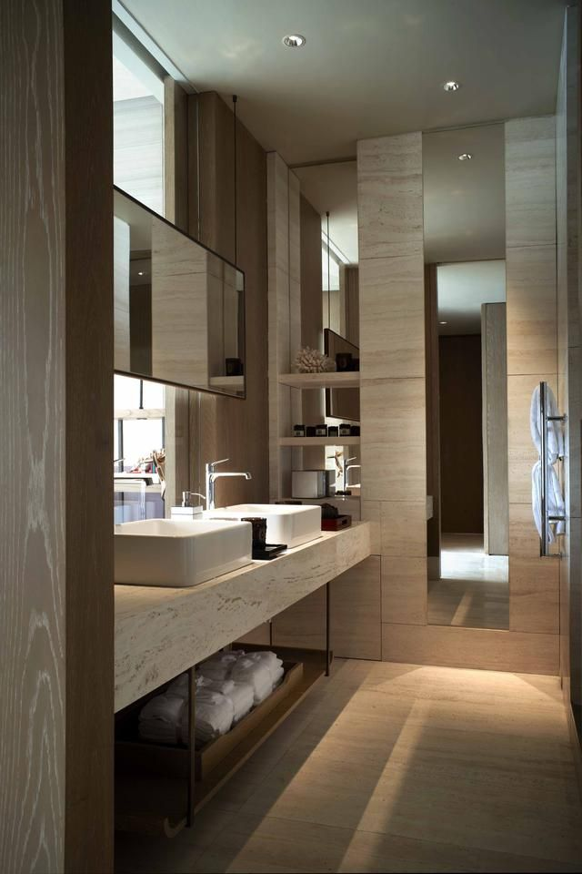 Use layout for Lana's ensuite
