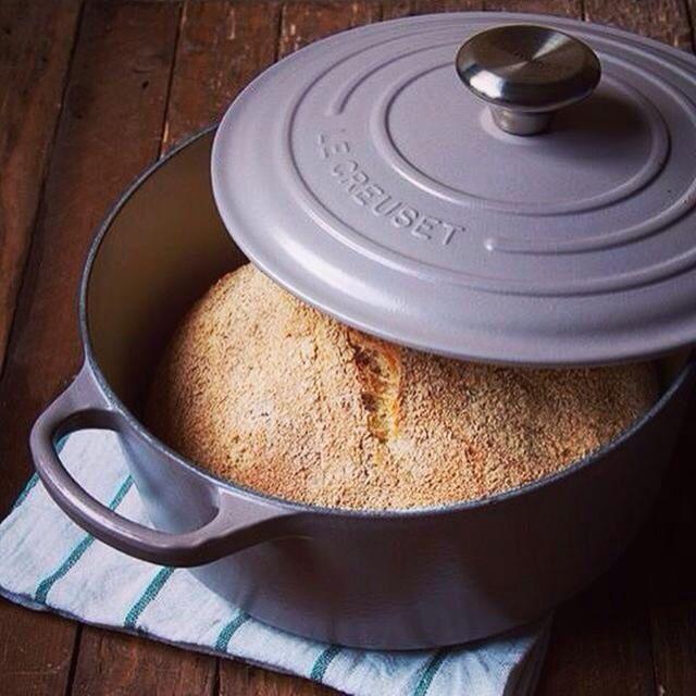 Pane di semi integrale in casseruola. Le creuset