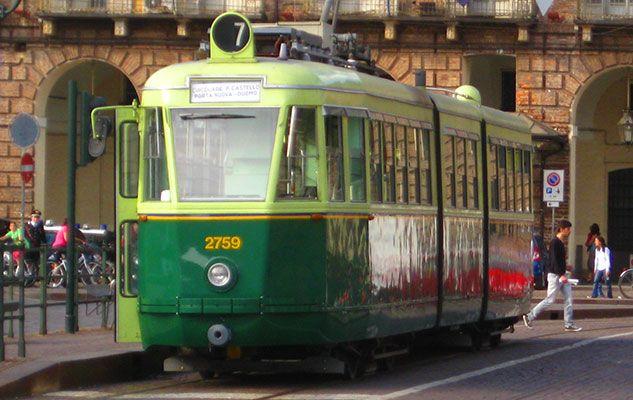"""La Linea 7 storica di Torino: """"museo in movimento"""" sulle rotaie"""
