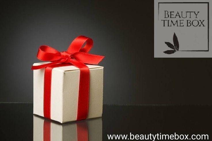 Beautytimebox for your Beauty. . . . . . #makeup #instamakeup #cosmetic #cosmetics #TFLers #fashion #eyeshadow #lipstick #gloss #mascara #palettes #eyeliner #lip #lips #tar #concealer #foundation #powder #eyes #eyebrows #lashes #lash #glue #glitter #crease #primers #base #beauty #beautiful