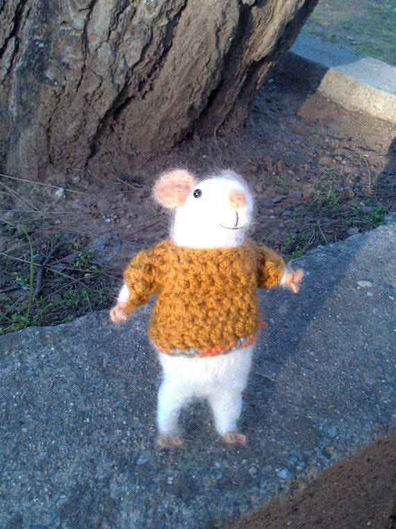 needle felted little mouse miniature by Kunuli on Etsy
