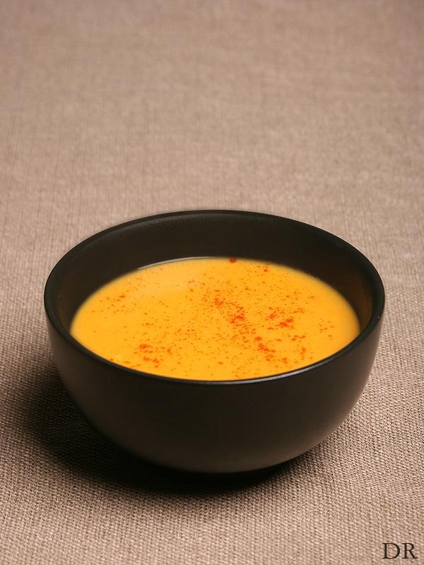Kruidige zoete aardappel gember soep