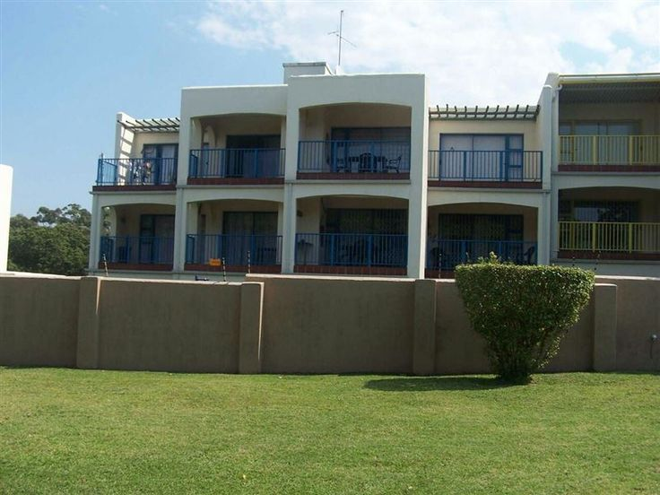 Tomeros 62 Uvongo - Welcome to Tomeros 62 Uvongo. The lovely 2 bedroom, 2 bathroom apartment is well equipped. There is a swimming pool and clubhouse on the premises. Play area for children and balcony included. A gas barbecue, ... #weekendgetaways #margate #southcoast #southafrica
