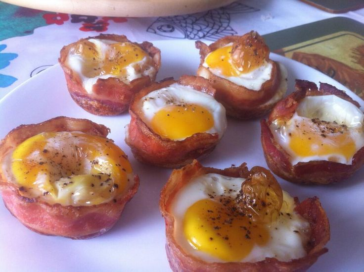copinho de bacon com ovos
