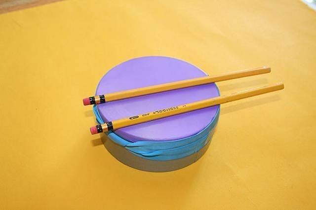 Instrumentos musicales con material reciclado.
