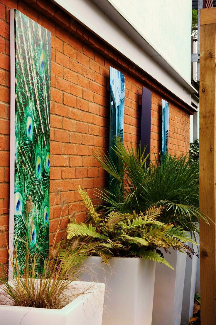 Outdoor canvas - great for walls with planning restrictions #gardenart #garden #harlow #courtyard #gardendesign