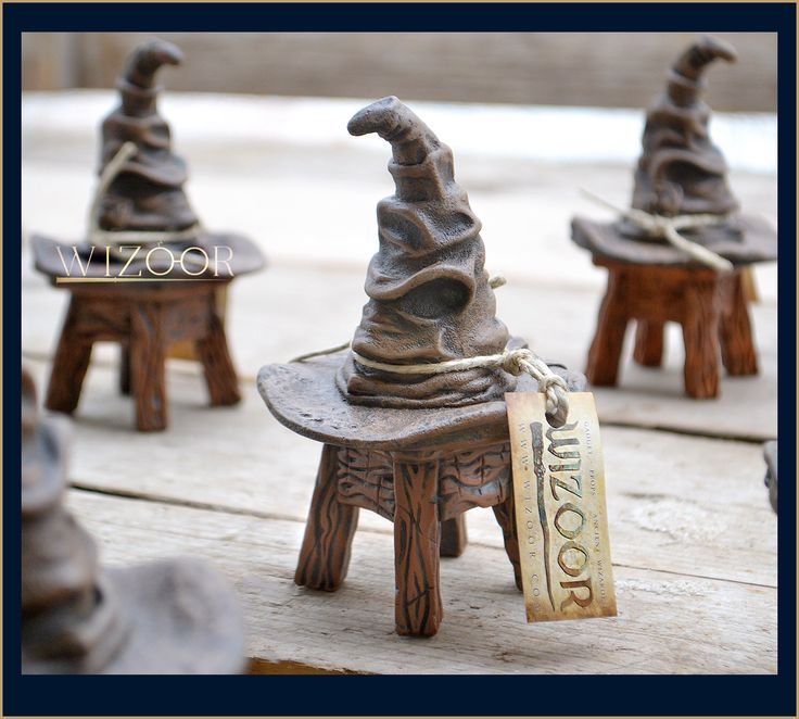 Sorting Hat with stool! - 14cm high - resin cast  (cappello parlante in resina) Harry Potter inspired by by WIZOOR on Etsy https://www.etsy.com/listing/245412819/sorting-hat-with-stool-14cm-high-resin
