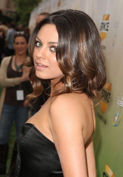 Mila Kunis Medium Curls: Medium Hairs Styles, Medium Curls, Hairs Highlights, Mila Kunis, Kunis Medium, Hairs Color, Brown Hairs, Dark Hairs, Kunis Hairs