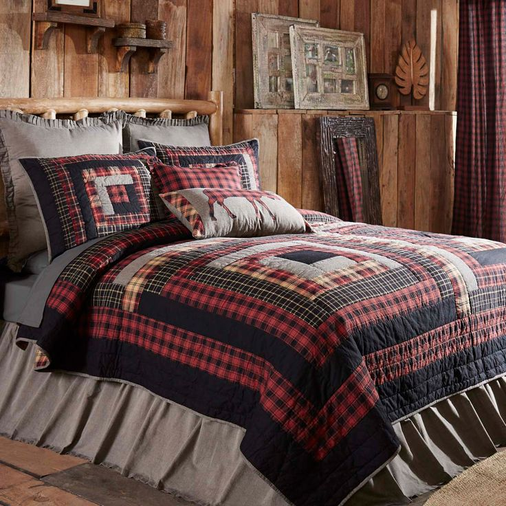 Give your master bedroom that rustic lodge look you have been thinking of with this beautiful patchwork quilt set.