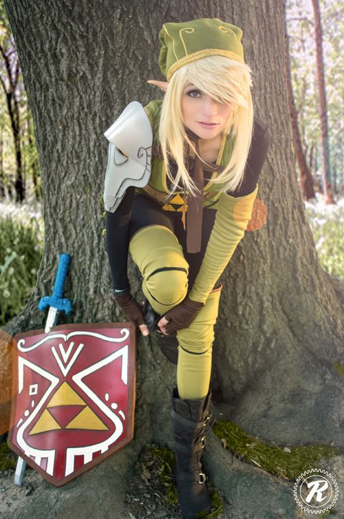 Genderbent Link Cosplay http://geekxgirls.com/article.php?ID=5944