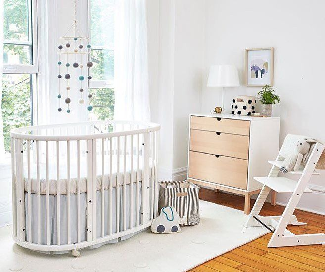 The Kathy Kuo Home Guide To The 10 Best Baby Cribs And Bassinets In 2020 Stokke Sleepi Best Baby Cribs Cribs