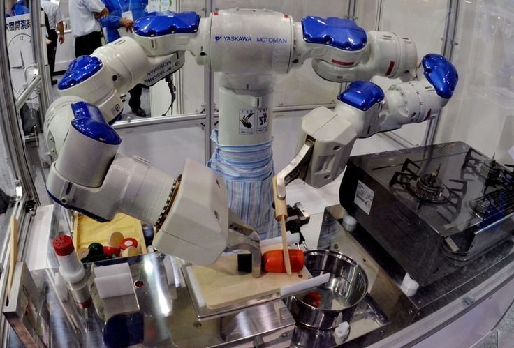 Forskningen som foregår på automatisert restaurantdrift er skremmende langt på vei - alt fra denne avanserte roboten til maskiner som fikser 300 hamburgere i timen på fast food-restauranter.