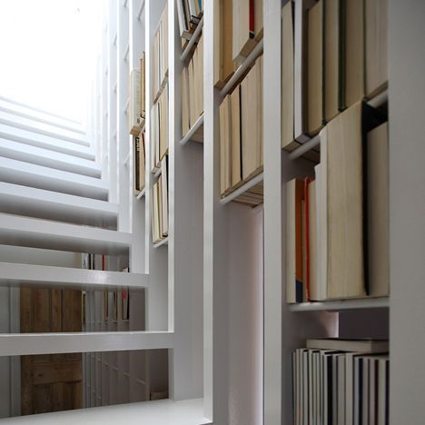 David Lebenthal's Tel Aviv Townhouse Features A Staircase With Shelves Stuck…