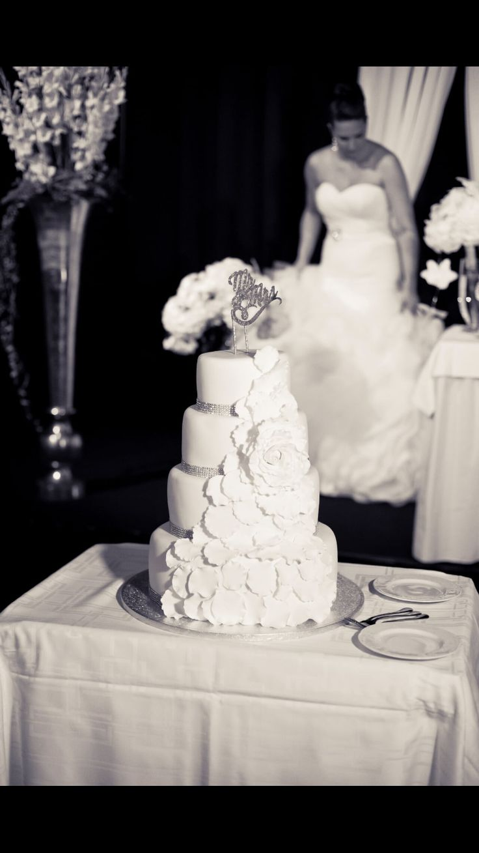 Beautiful elegant weddingcake glitter