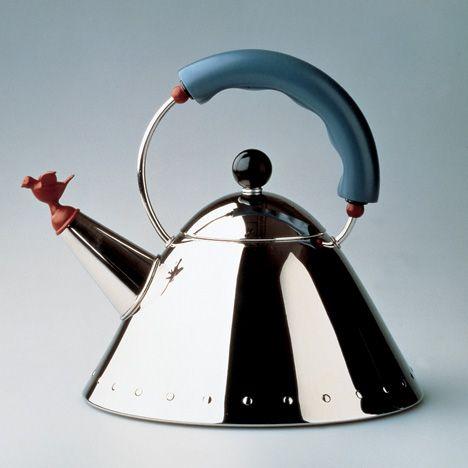 For the 30th anniversary of his 9093 kettle, Michael Graves created a special edition for Alessi that replaces the bird-shaped whistle with a dragon