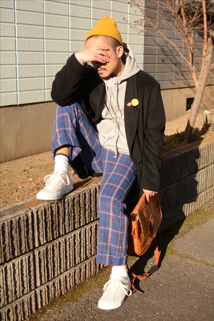(jeudi★Style)NO,57 パーカー♦NOAH NYC Zip Front Hoodie GRAY http://jeudi-japan.com/?pid=111669461 スニーカー♦converse Chuck Taylor All Star II Low Natural http://jeudi-japan.com/?pid=111489854 コート♦古着(私物) パンツ♦UNUSED(私物) ベルト♦HTC(HTC)  ニットキャップ♦Supreme(私物) バッグ♦MCM(私物)