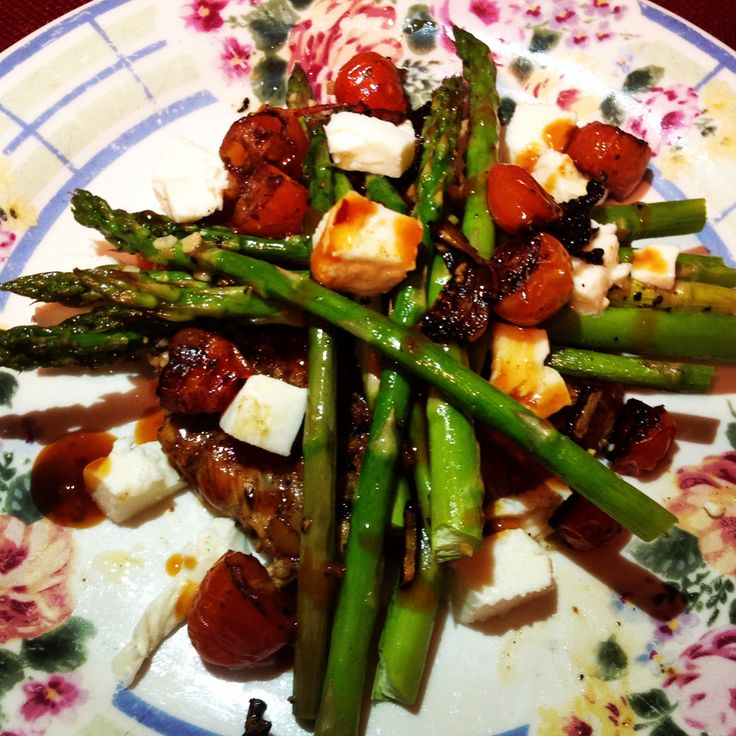 Balsamic chicken w/roasted tomatoes, asparagus and mozzarella.  EASY & LOW CALORIE. Just marinate chicken in balsamic/EVOO/garlic powder/pepper for about 30mins or more; grill the chicken; roast tomatoes & asparagus, add fresh mozz, drizzle with balsamic mix.