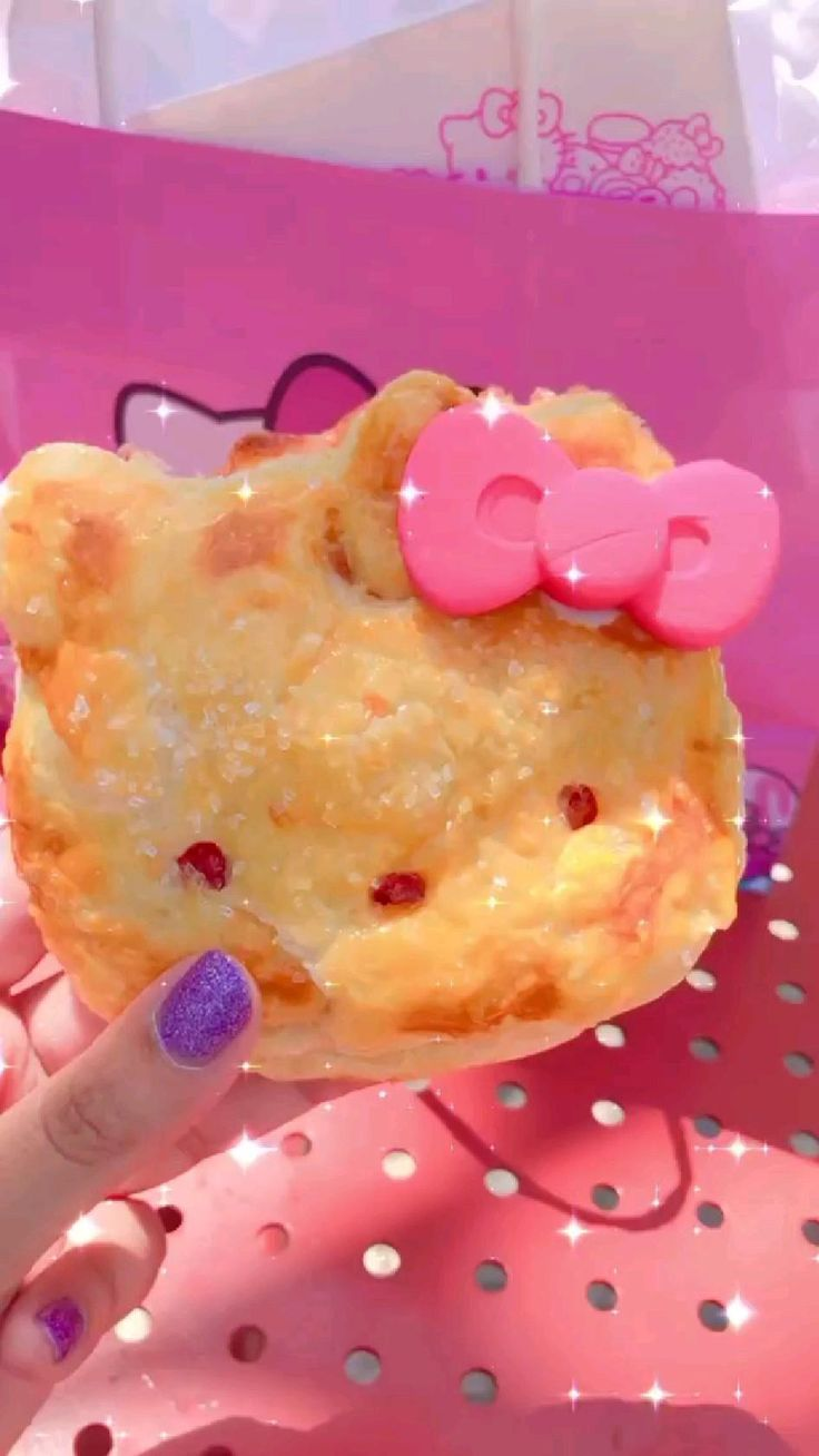 Japanese Snacks, Japanese Sweets, Japanese Food, Hello Kitty Cupcakes, Hello Kitty Nails, Fun Desserts, Delicious Desserts, Yummy Food, Kawaii Games