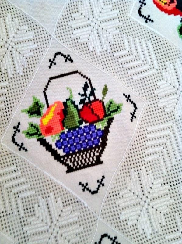 940 best manteles images on pinterest crochet tablecloth - Manteles de punto de cruz ...