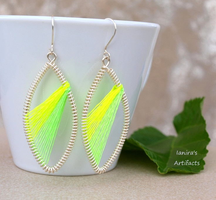 Peruvian style earrings with fluorescent thread by Ianira on Etsy, €14,00