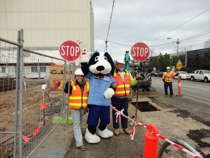 Buddy was excited when he spotted these construction workers with their stop signs when he was out and about in South Melbourne.   Like every well behaved dog Buddy knows to stop on command! We think these signs definitely help keep Buddy on his best behaviour.
