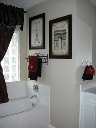 Ive always wanted a paris themed bathroom... Maybe the guest bathroom!?