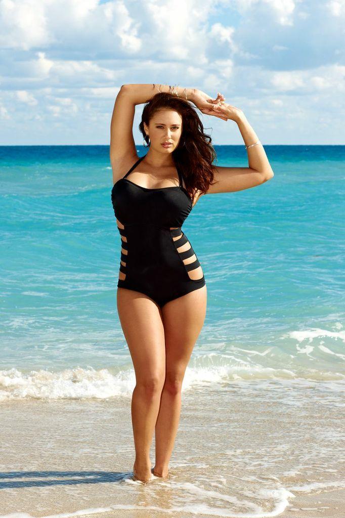 great swim suit / http://curveappeal.tumblr.com/