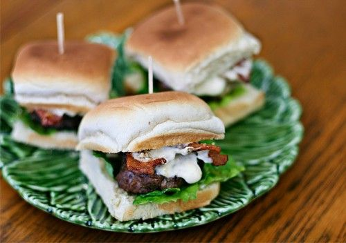 steak sliders with bacon and horseradish mayo. (also, this blog is called 'ezra pound cake.' AMAZING.)
