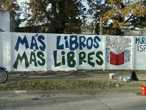¡Más libros, más libres! Un poco de #AcciónPoética para decirles #buensábado.