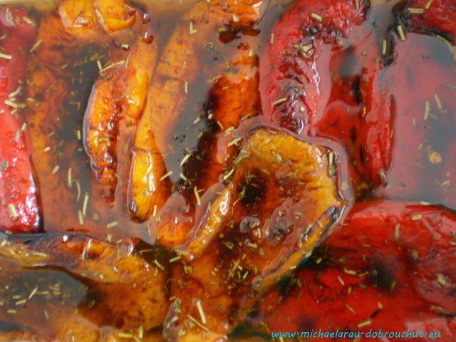 U nás doma máme rádi naložené papriky. Ty klasické, zavařované s olejem , mi manžel zlikvidoval ještě před nástupem zimy, takže jsme měli ...