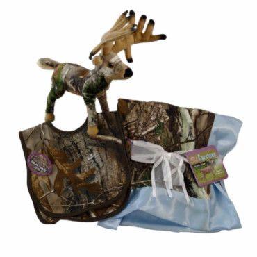 Realtree APC Premium Camouflage Baby Boy Boxed Set - Blanket, Bibs and Whitetail Deer Plush Animal