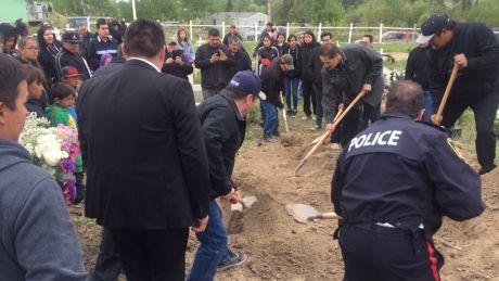 Winnipeg police chief honoured by invitation to Christine Wood's funeral - http://www.newswinnipeg.net/winnipeg-police-chief-honoured-by-invitation-to-christine-woods-funeral/