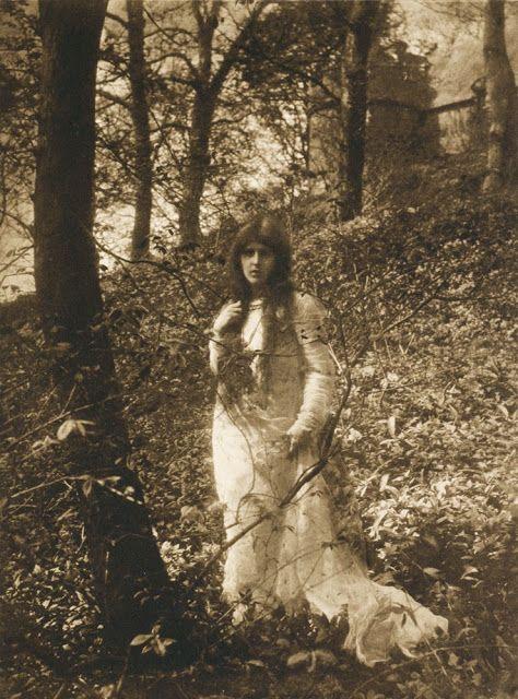 James Craig Annan (1864-1946), Eleanore - vers 1900