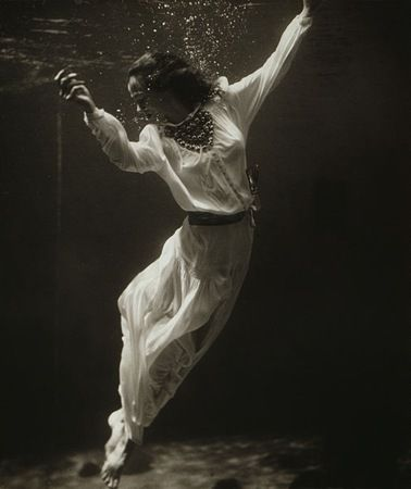 Dolphin Tank, Marineland, Florida, by Toni Frissell, Vogue, 1939. fashion photography