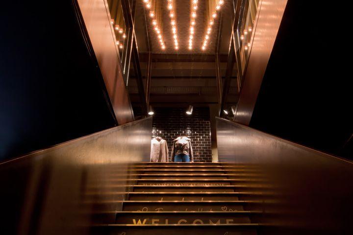 Bel Étage by Bungalow store by Philip Jin Honermann, Stuttgart store design