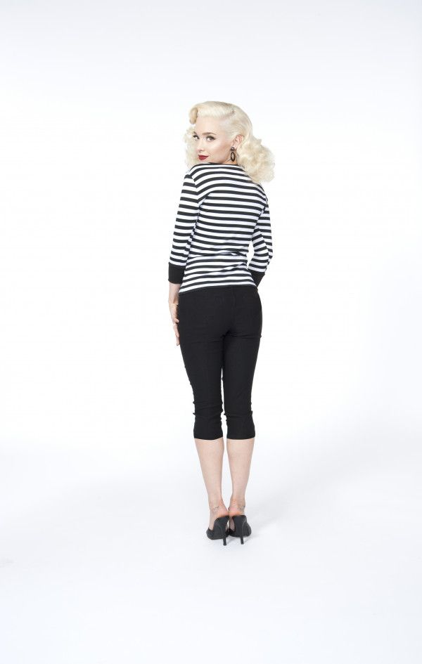 Traci Lords Allison Capri Pants in Black with Pockets