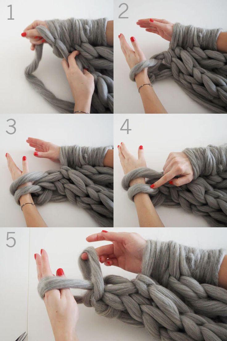 Tejer una bufanda infinita en menos de 30 minutos
