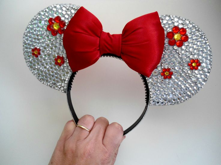 Made to Order ONLY! Please visit iwearbowandarrow.wixsite.com/shop for more info! #MinnieEars #Store #WDW #Handmade #Disney #DisneyEars #Headband #HairAccessories #Mickey #WaltDisney #DisneyParks #Share #Repost #instadaily #DisneyWorld #ThemeParks #OrlandoThemeParks #Disneyland #iwearbowandarrow #FreeShipping #Wool #Ears #Follow #Share #Repost #Orlando #Florida #Floral #Flowers
