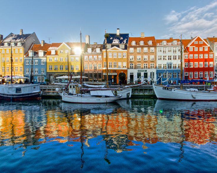 Ville d'eau et de lumière, Copenhague est l'une des capitales les plus attrayantes au monde et l'une des plus agréables à vivre. Visite guidée.