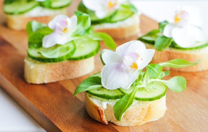 Open Face Cucumber Sandwiches with Edible Flowers - Oh My!: Open Faces, Teas Sandwiches, Edible Flower, Afternoon Teas, Faces Cucumber, Gardens Parties, Fingers Sandwiches, Teas Parties, Cucumber Sandwiches