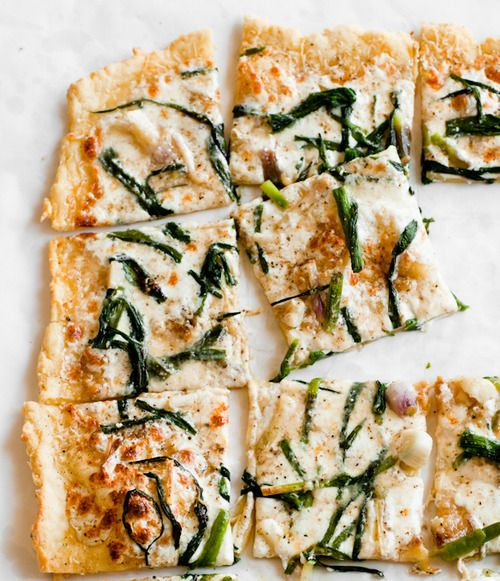 gluten free triple garlic pizza