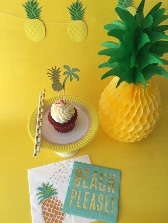 pineapple beach please! party