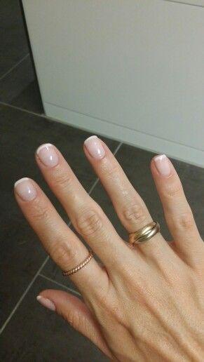 Striplac French manicure mit Striplac 37 baby pink und tip whitener french