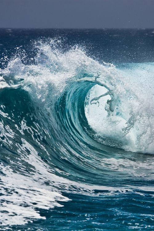 Ocean Waves by Dvj Nightmover