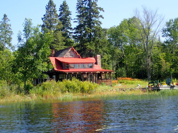 Old cottage in Byng Inlet, July 2017