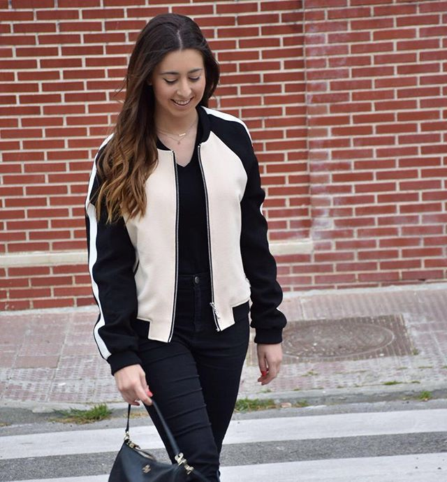luciahperis pic by @claudiahperis  #ootd #fashion #look #madrid #style #mango #bomberjacket #spanishfashion #modaespañola #outfitoftheday #lookoftheday #primark #trousers #accessories #coach #crossbodybag #nofilter